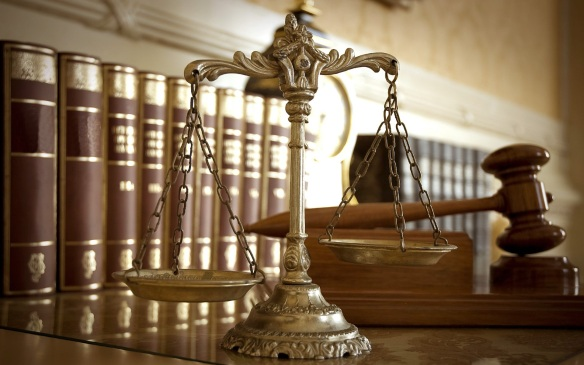 Legal-scales-books-gavel-Image